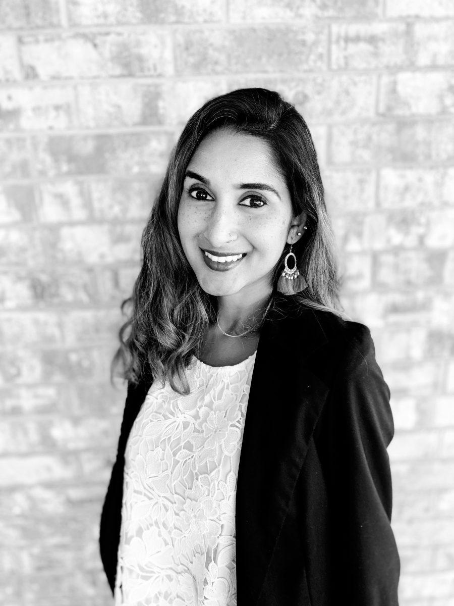 Black and white photo of Yumnah Syed-Swift, LMSW